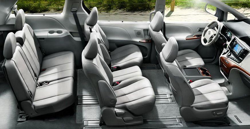 Toyota-Sienna-salonas